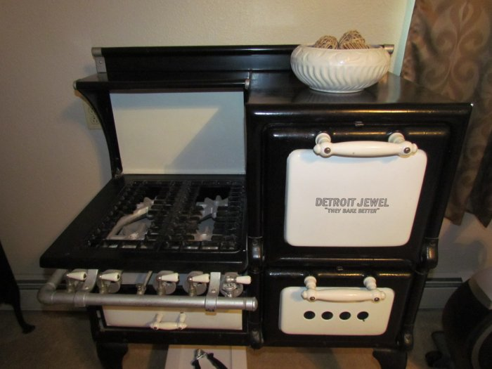Clean Like New Tools & Equipment, Furniture, Antiques,Toys, and Household Auction